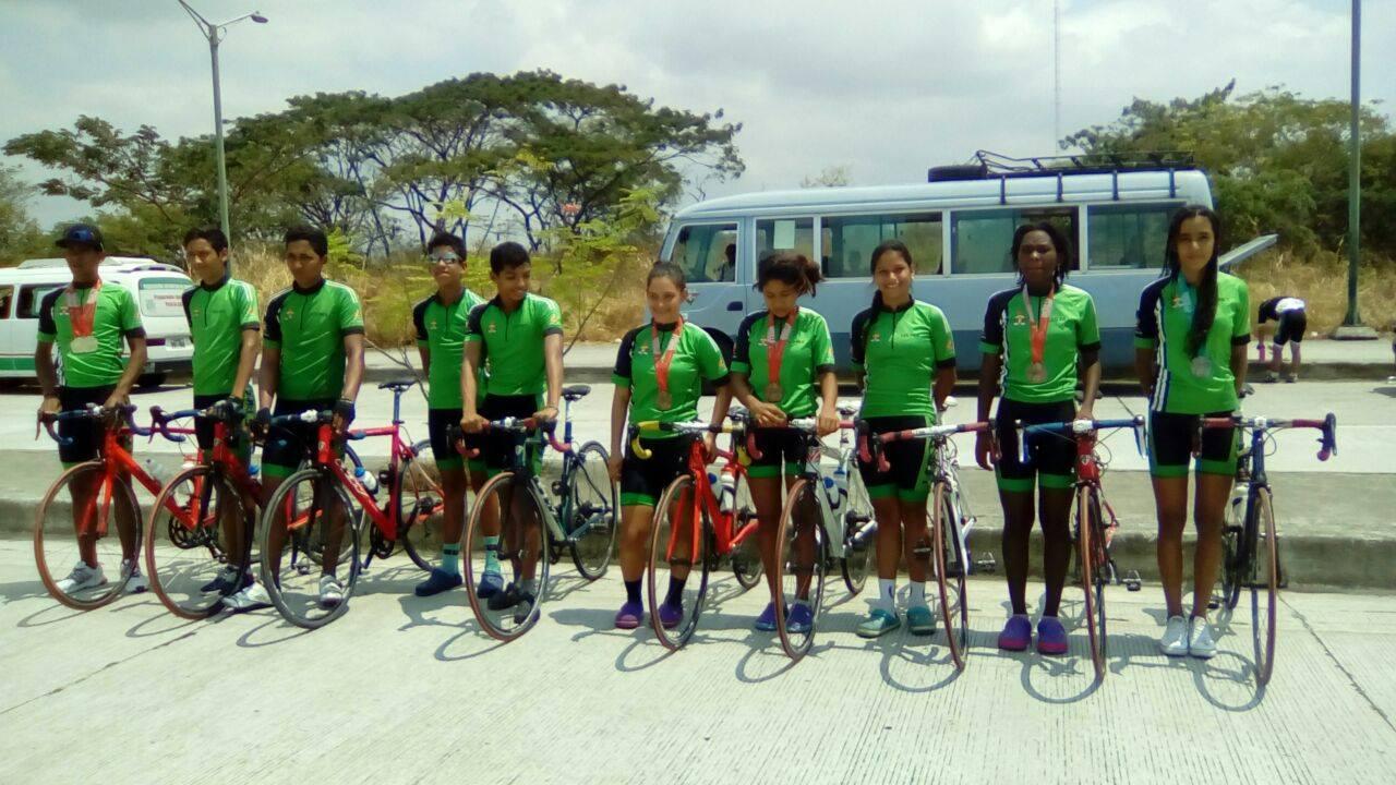 El ciclismo riosense se ubicó cuarto en los juegos nacionales