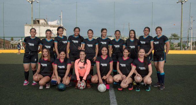 Concejala Troya invita a inscribirse en  la escuela de fútbol Femenino