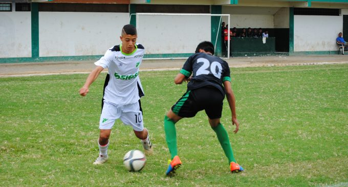 Fútbol del bueno se juega en Babahoyo