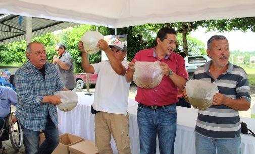 Prefectura de Los Ríos y ESPOL impulsan reproducción del pez vieja azul