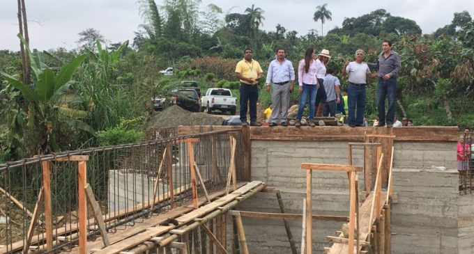 Prefectura construye puentes y obras contra inundaciones