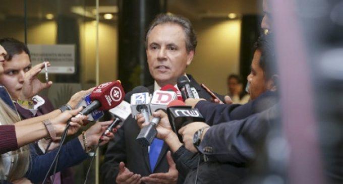 Ochoa se presentó ante Asamblea