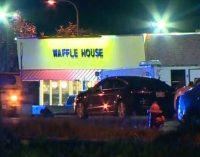 Tiroteo en sucursal de Waffle House deja muertos y heridos