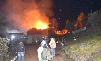 Activistas se apoderaron de instalaciones de empresa minera en Río Blanco-Azuay