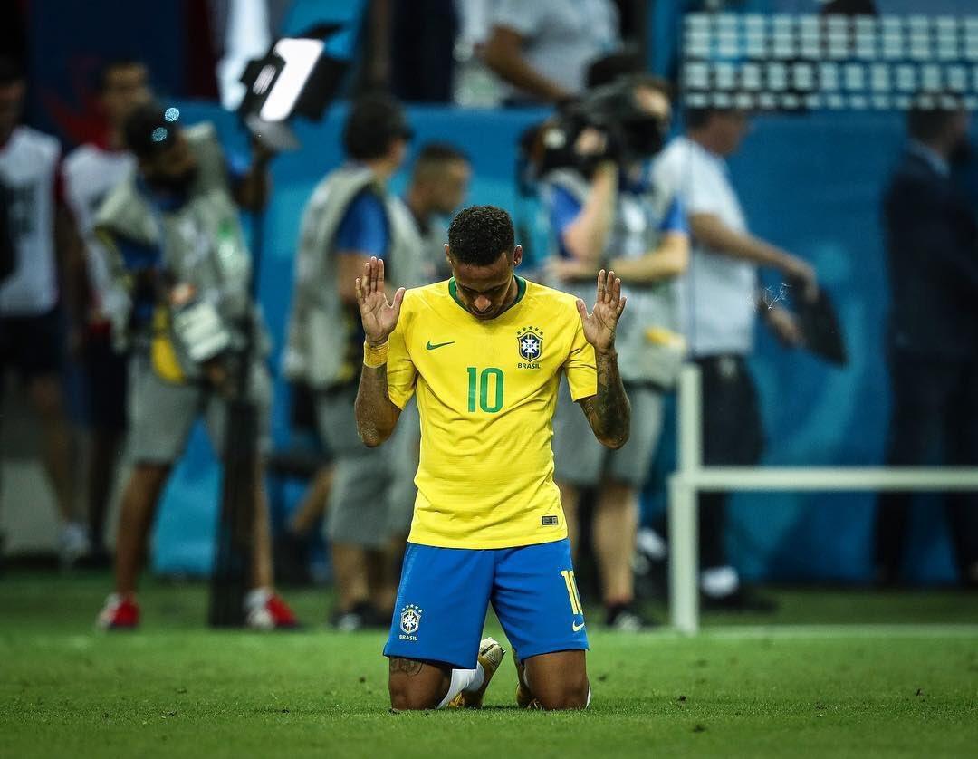 Neymar se cansa del fútbol