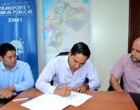 MTOP firmó para rehabilitación de vía Guaranda