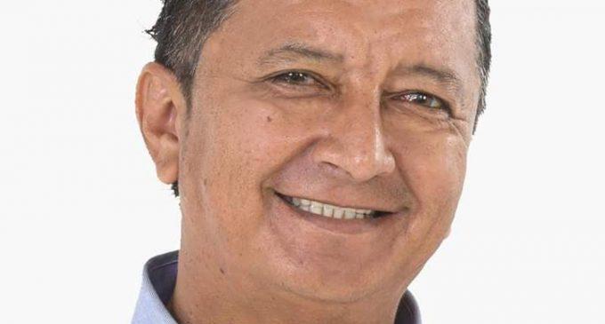 Alcalde de Puebloviejo prohíbe uso de celular