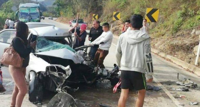 Tres muertos en accidente de tránsito en la vía Loja – El Oro