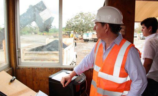 Johnny Terán supervisó la reactivación de la planta de asfalto