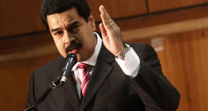 Maduro considera que la versión chavista del «Padre Nuestro» es una poesía