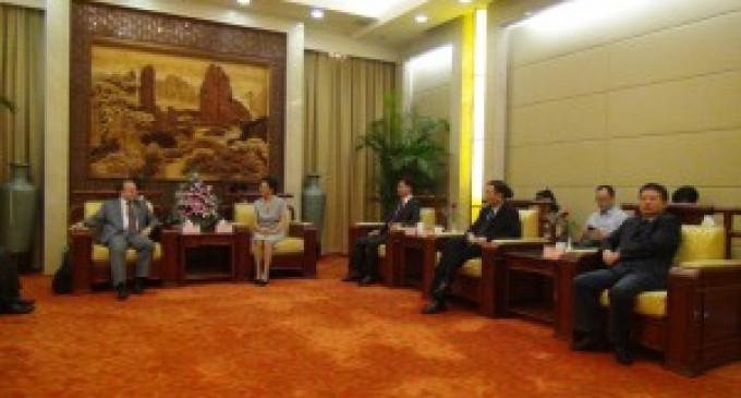 Embajador ecuatoriano en China promueve inversión extranjera directa