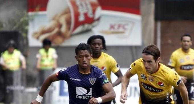 Independiente del Valle goleó 3-0 a Barcelona