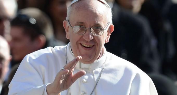 Los Reyes Magos son un ejemplo para superar la mediocridad, dice el Papa