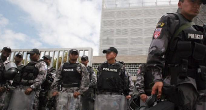 Ley que llegó un año después de 'revuelta' cambia rol de la Policía