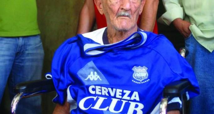 El fútbol ecuatoriano está de luto: murió Carlos Alberto Raffo