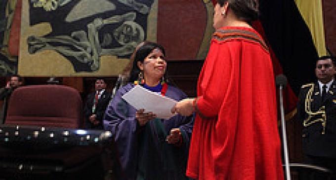 Mujeres amazónicas entregan su propuesta a la Asamblea