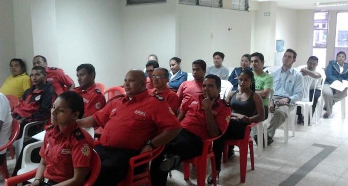Cuerpo de Bomberos de Babahoyo participan en el seminario de alta psicología
