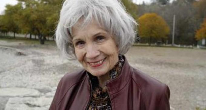La escritora canadiense Alice Munro gana el Premio Nobel de Literatura 2013