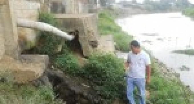 MAE inspeccionó distribuidoras avícolas por descargas de aguas residuales al río San Pablo, Babahoyo