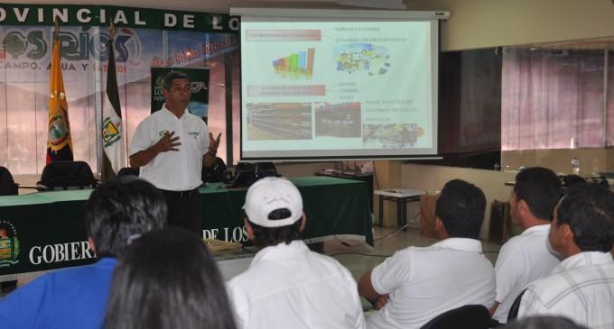 Campesinos de Los Ríos mejoran conocimientos en apicultura
