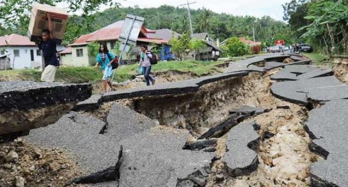 Tres fuertes terremotos sacuden Filipinas