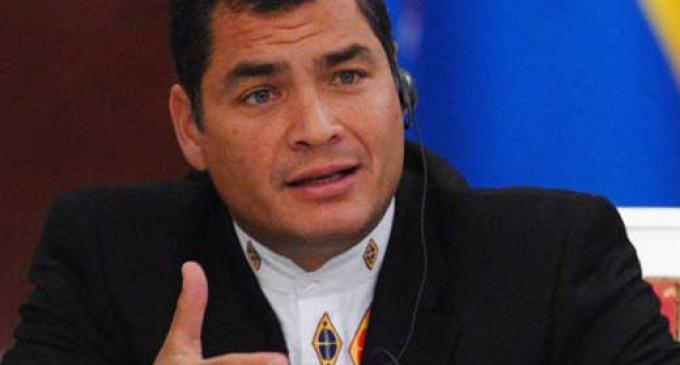 'Esto me puede causar un tiro', dice Rafael Correa a FF.AA.