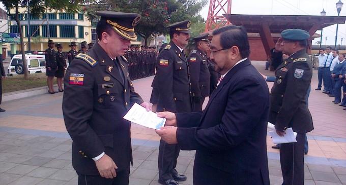 Ceremonia de reconociendo a miembros policiales de Los Ríos