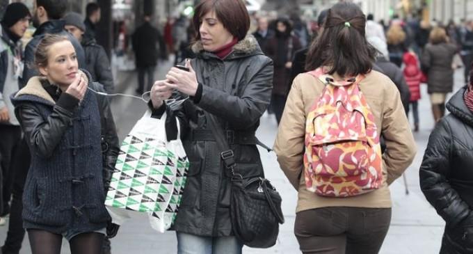 El peso de los bolsos afecta a la estructura ósea de las mujeres
