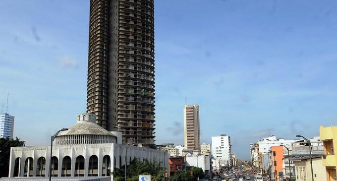Guayaquil: comenzó el proceso de demolición del edificio del Ministerio de Agricultura