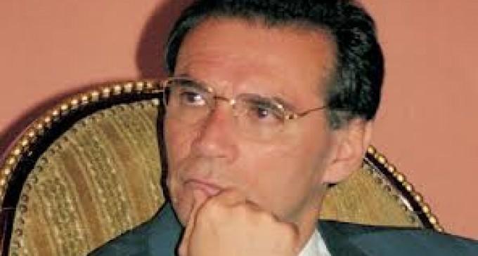 Fiscalía General pide máxima sanción contra  Mahuad