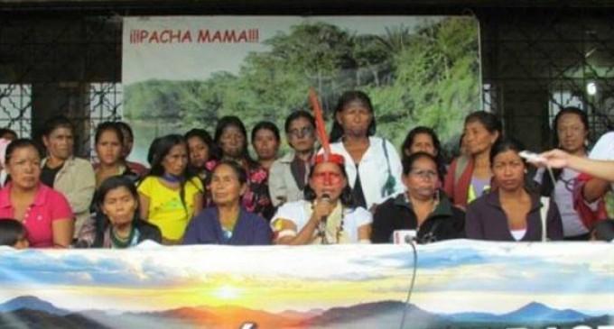 """Mujeres amazónicas anunciaron que se quedarán en Quito """"indefinidamente"""""""
