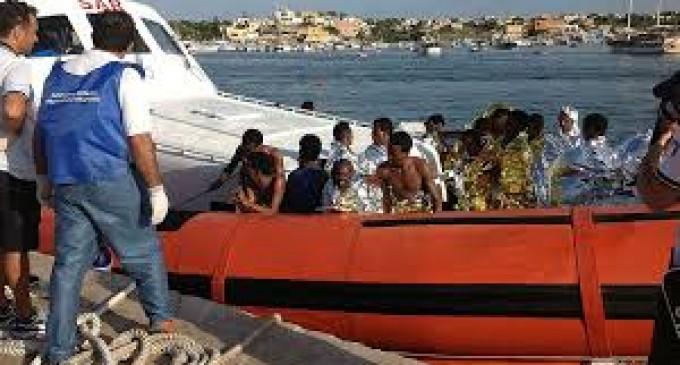 Más de 100 inmigrantes mueren en un naufragio frente a costas de Italia