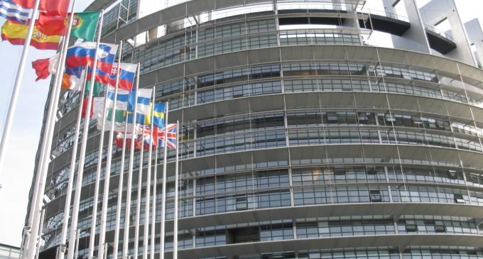 Europa da la espalda al espionaje de EE.UU. y busca salir del acuerdo antiterrorista