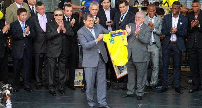 La Tricolor recibe homenaje del gobierno ecuatoriano