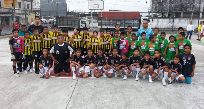 Torneo infantil de fútbol 'Pequeños Gigantes' en su etapa final