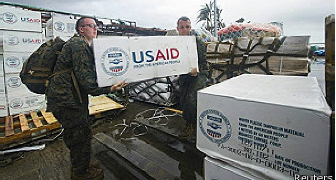 Lllega ayuda internacional en Filipinas