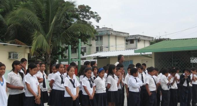 Del 23 de diciembre de 2013 al 1 de enero de 2014 no habrá clases en Ecuador