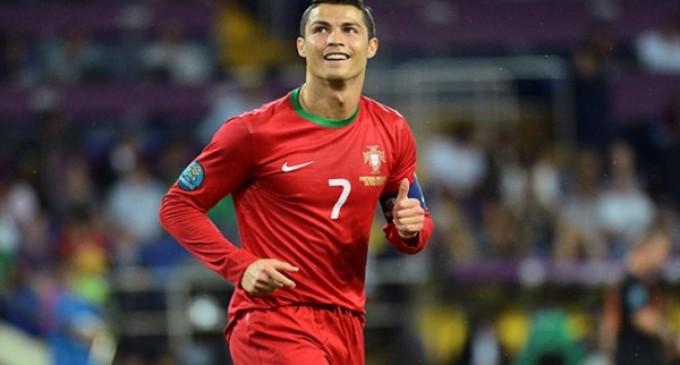 Cristiano Ronaldo clasifica a Portugal y Francia consigue el milagro