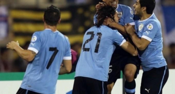 Uruguay empaca maletas tras quedarse con el último boleto al Mundial de Brasil 2014