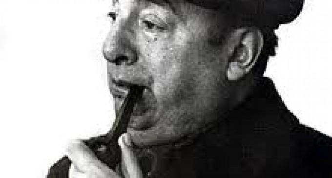 Peritos se encuentran reunidos por causa de muerte del poeta Neruda