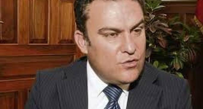 Serrano se encargaría del Ministerio de Justicia.