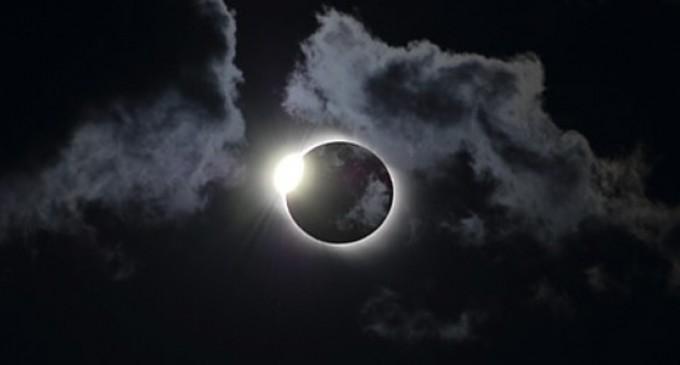 Eclipse de Sol híbrido el próximo domingo