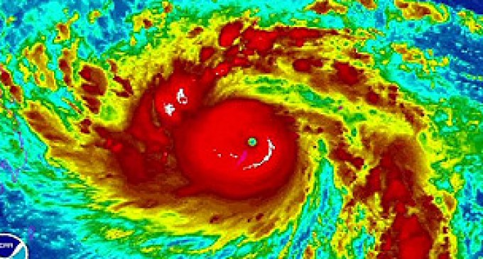 Filipinas se prepara para afrontar el tifón más potente del año