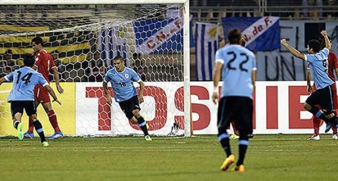 Uruguay goleó a Jordania en Amán y tiene un pie y medio en Brasil 2014