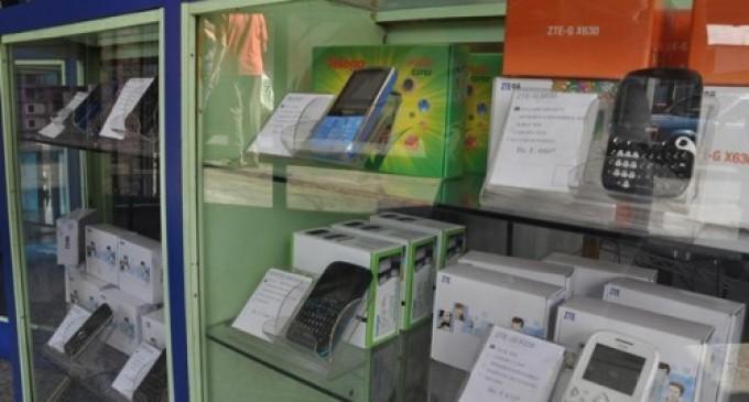 El IEPI analiza imponer una tasa a teléfonos celulares