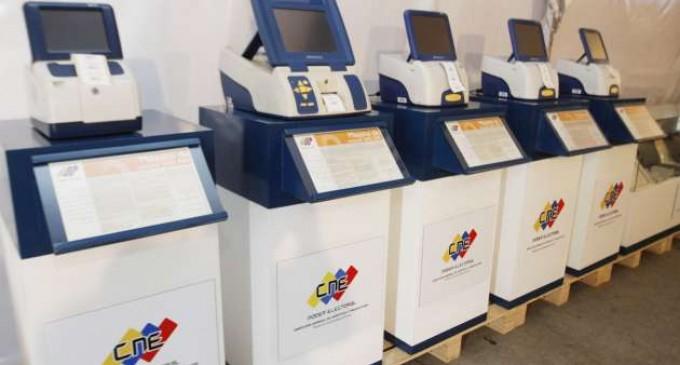CNE venezolano prestará máquinas de votación a Ecuador para elecciones de febrero