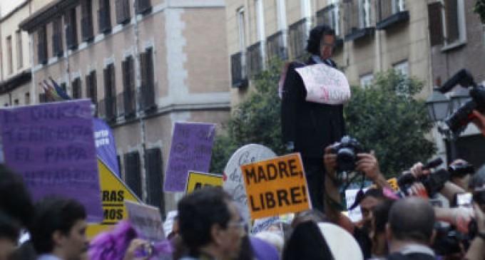 España: Las mujeres solo podrán abortar en caso de violación o riesgo físico o psíquico