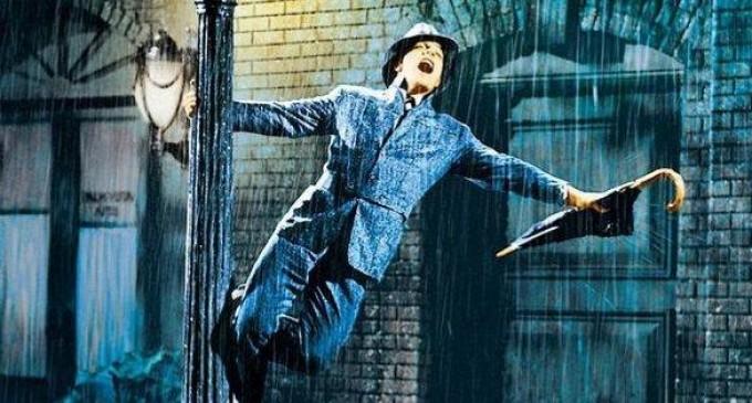 77.000 euros por el traje de 'Cantando bajo la lluvia'