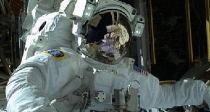 Culmina con éxito segunda caminata espacial