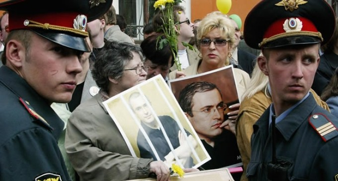 Vladimir Putin perdonará al magnate y opositor Mikhail Khodorkovsky
